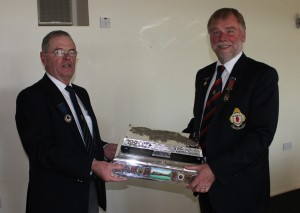 NIPGL President David accepting the Minnis Trophy
